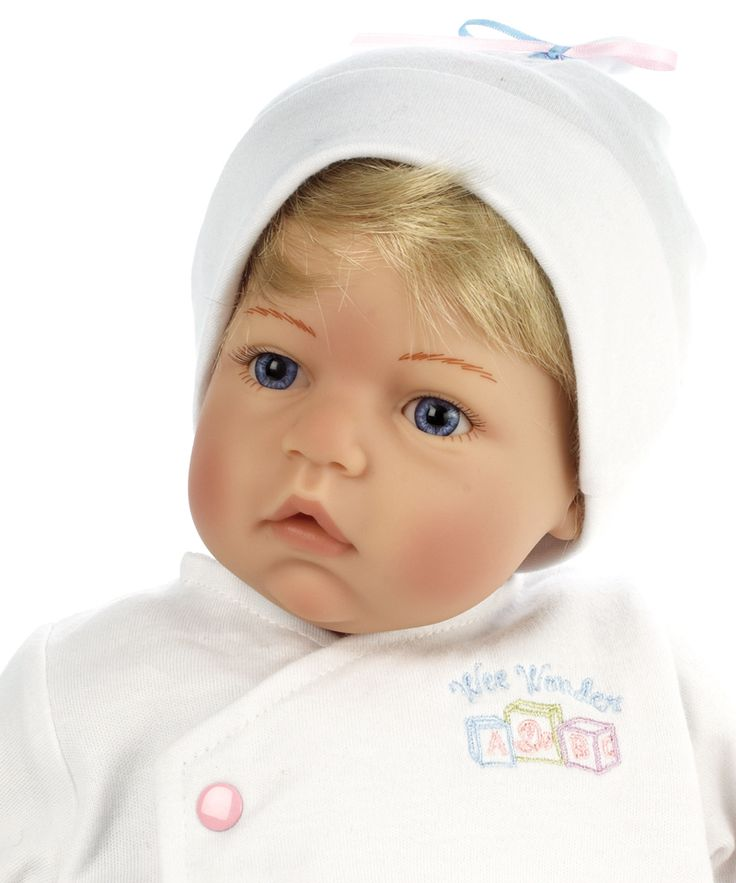 Madame Alexander Newborn Nursery Baby Doll - Wee Wonder - Tiny Love - Light Skin, Blonde Hair, Blue Eyes - Nursery Babies