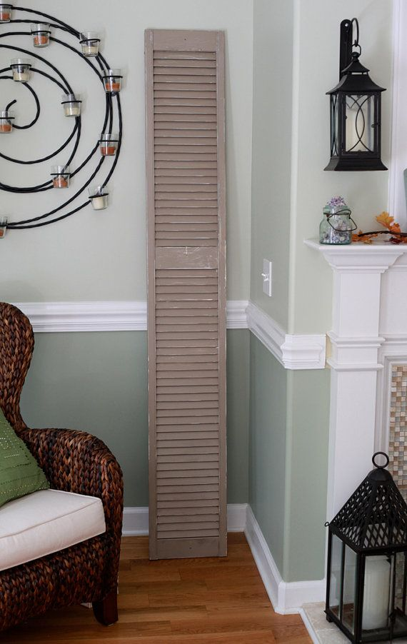 living room chair rail 25 best ideas about two tone walls on two 13898