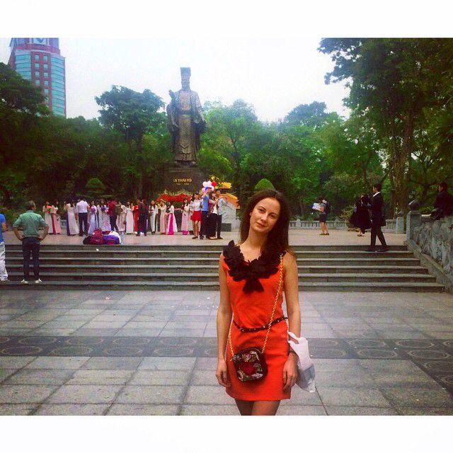 По городу.✌️✨ #ЭтоВьетнамДетка#Ханой#Вьетнам#ПоГороду#ourhanoi#hànội#hanoi#Vietnam#steetstyle#chilltime#casual#steetstyle#photo#crewlife#day