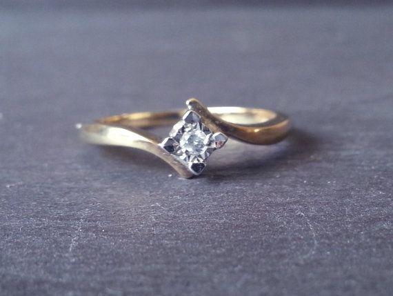 Solitaire Twist Diamond Engagement Ring Single by ArahJames