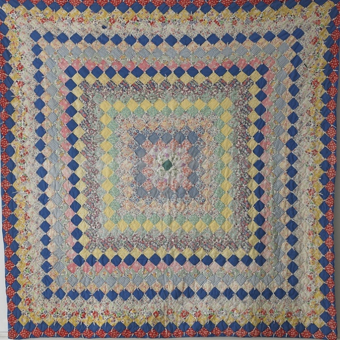 can't stop staring at this... from the apartment: Vintage Quilts, Quilts Quilts Quilts, Nice Pillows, Gorgeous Quilts, Quilts Textiles, Country Quilts 157,  Prayer Mats, Knee Blankets, Pillows Shams