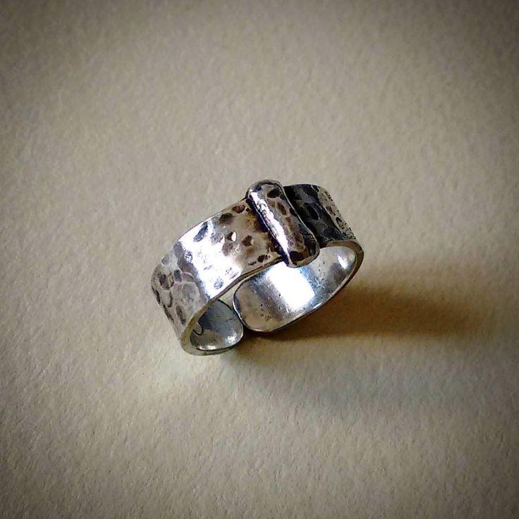 Anillo de plata texturado y envejecido - Joyas CM