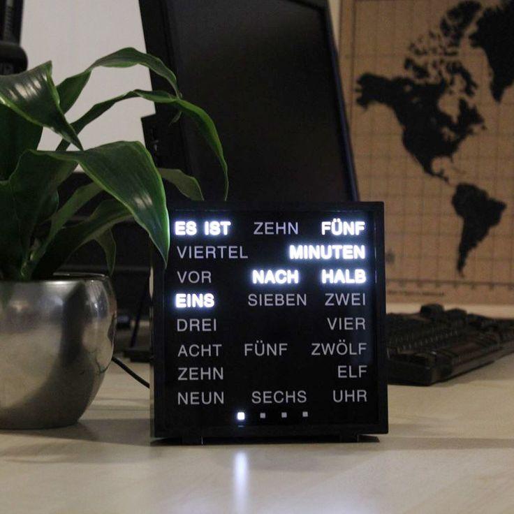 die besten 25 led uhr ideen auf pinterest gadget uhren. Black Bedroom Furniture Sets. Home Design Ideas