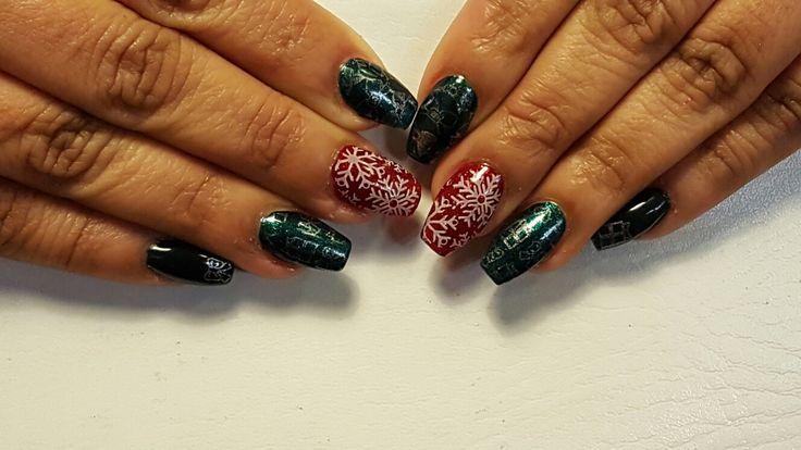 Christmas Nails Gelish - Good Gossip, I'm No Stranger to Love with Christmas Stamping