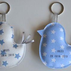 Faire-part de naissance original portes-clés petits oiseaux personnalisés