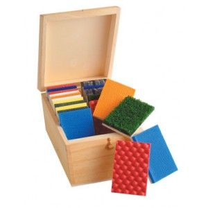 Tactile Box: Sensory Activities, Boxes Projects, Boxes Display, Toys, Wooden Boxes, Sensory Plays, Usa, Tactile Boxes, Diy Projects