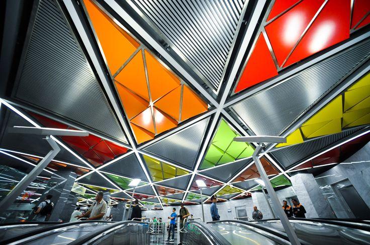 Colorido psicodélico en las nuevas estaciones del metro de Moscú - Metros por los que merece la pena pagar el billete