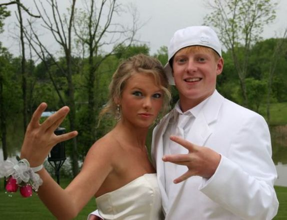 Celebrity Prom Photos You Won't Believe Are Real Taylor Swift prom photo