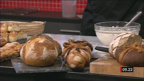 - skållning och poolish (fördeg) - scalding of flour and poolish as tecniques when baking
