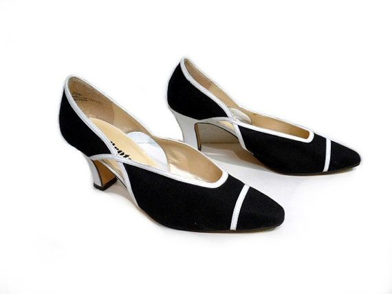 Vintage Black and White Pumps Heels Shoes  with by KMalinkaVintage, $35.00