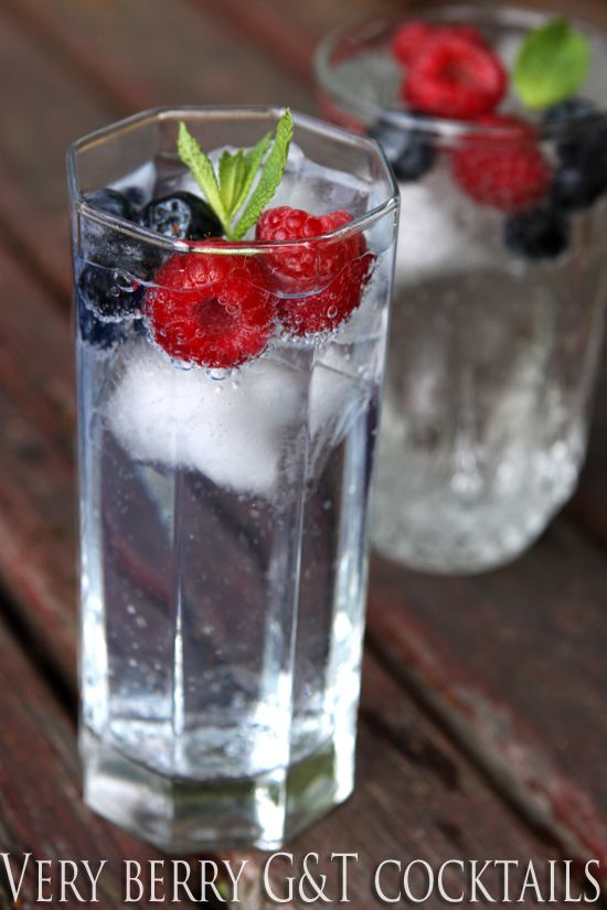 This berrylicius twist on the traditional gin & tonic cocktail is as refreshingly delicious to drink as it is easy to make (and pretty to look at!).  Whip them up after work to turn any summer evening into an occasion  |  cooksister.com #cocktail #letscocktail