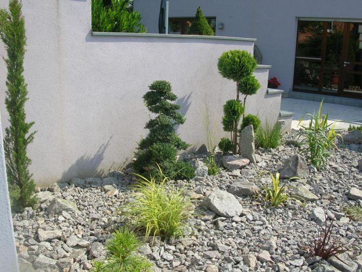 les 92 meilleures images du tableau parterre avec cailloux sur pinterest petits jardins. Black Bedroom Furniture Sets. Home Design Ideas