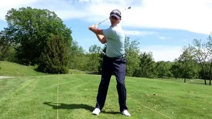 30 second Golf Tip: How the legs move in the golf swing [ ArtOfGolf.com ] #sport #art #golf