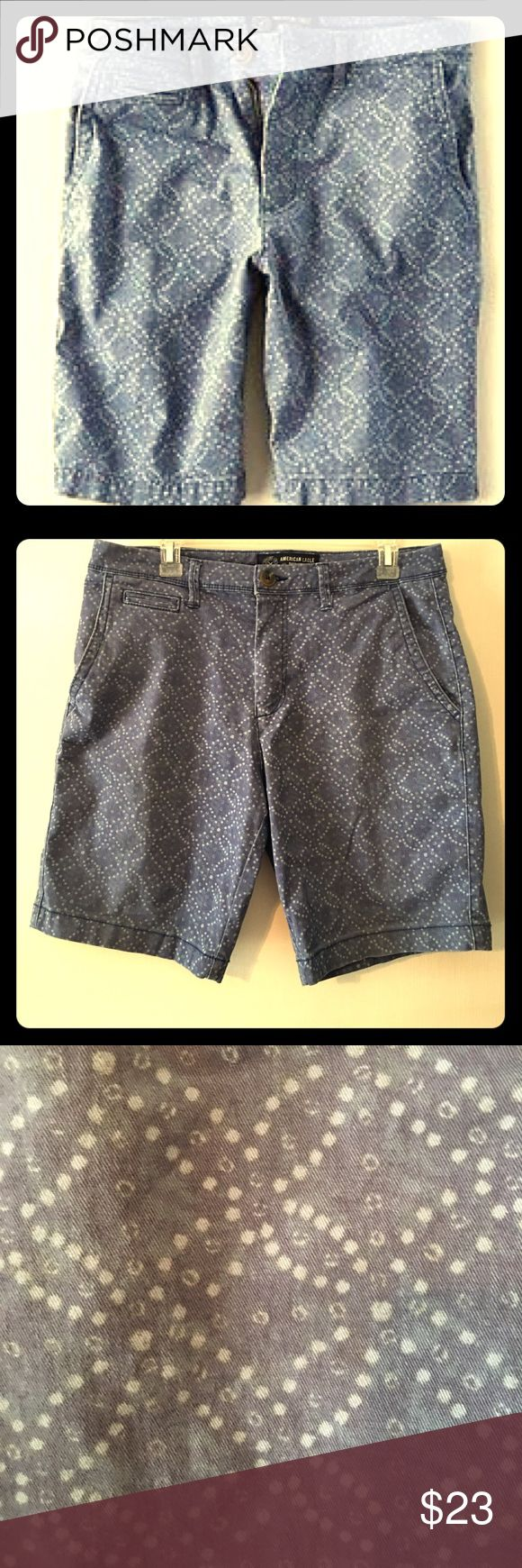 American Eagle active flex slim men's print short Very soft, and stretches. In excellent preowned condition. Size 32                                                Accepting reasonable offers!                                     Don't forget to take a look at my closet for other items and receive a bundling discount! American Eagle Outfitters Shorts Flat Front