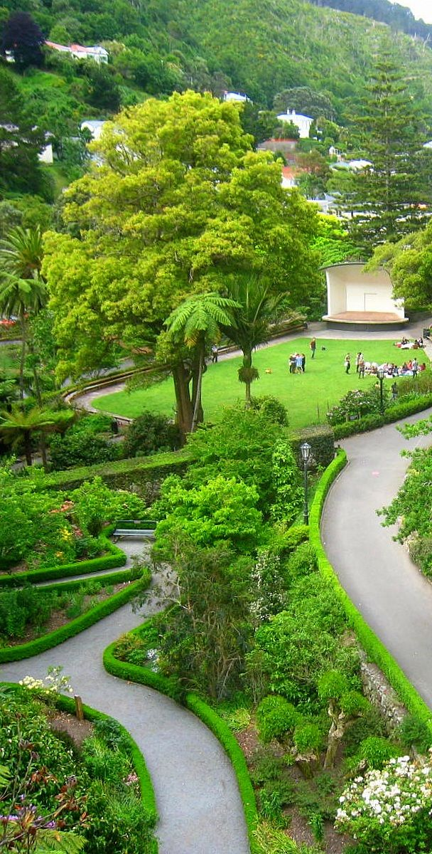 """Bill✔️ Botanical Gardens - Wellington, New Zealand. Wellington is full of terrific places for visitors to the city. This is just one part of a """"Hill Full"""" of wonderful sights. Access this from The Cable Car! (curation & caption: @BillGP). Bill✔️."""