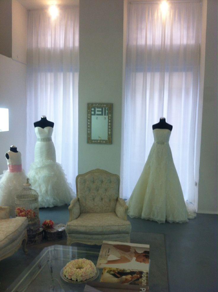 Designer esküvői szalon hatalmas világmárka választékkal! Prémium minőségű esküvői ruhák kölcsönzése és vásárlása! https://lamariee.hu