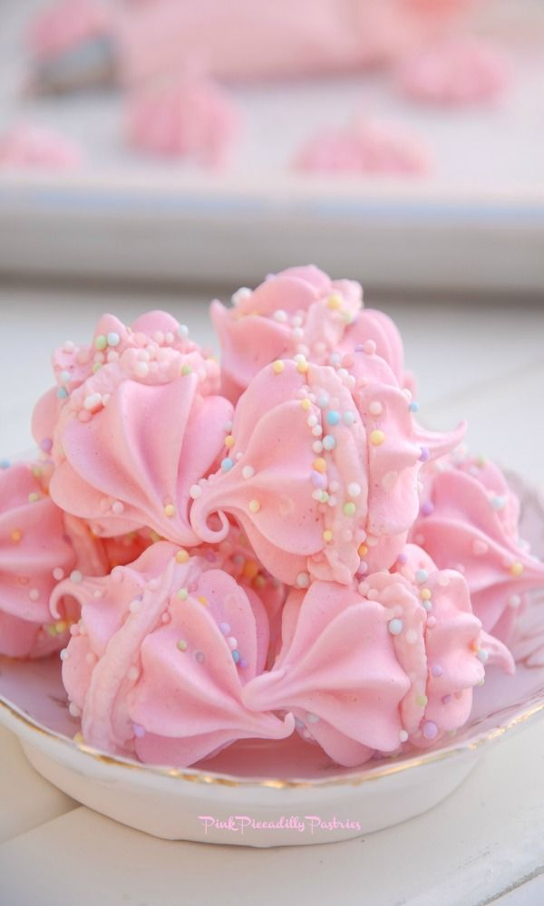 Pink Piccadilly Pastries: Search results for cotton candy