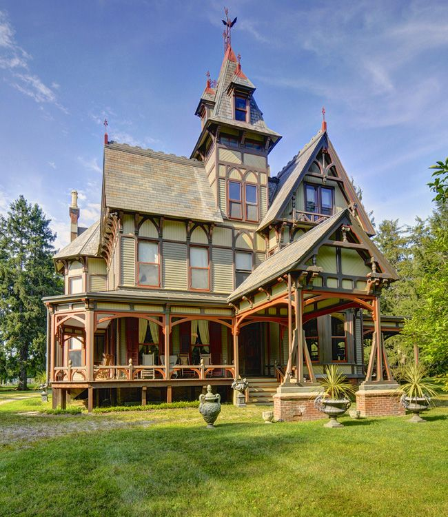 steampunktendencies:  1878 Victorian mansion in Dutchess County, New York.  [Via Victorian Houses]