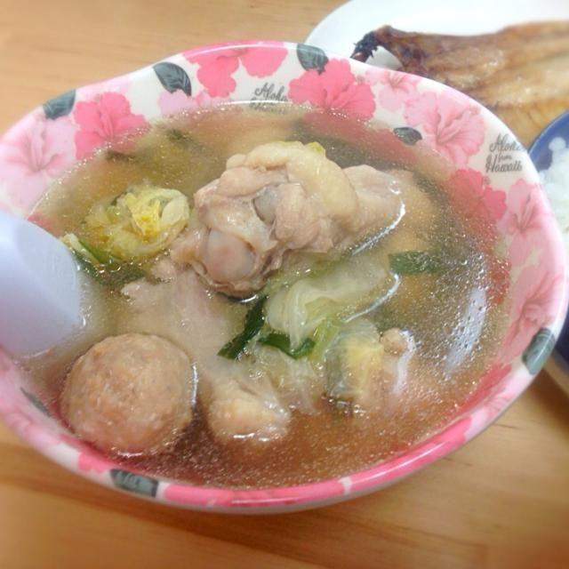 あまり物でカンタンに - 10件のもぐもぐ - ニラと白菜の中華スープ 手羽元つみれ by raveroadst2jh