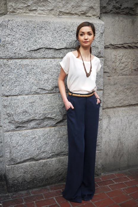 Like these wide leg pants. Would be great for an art gallery opening or something.