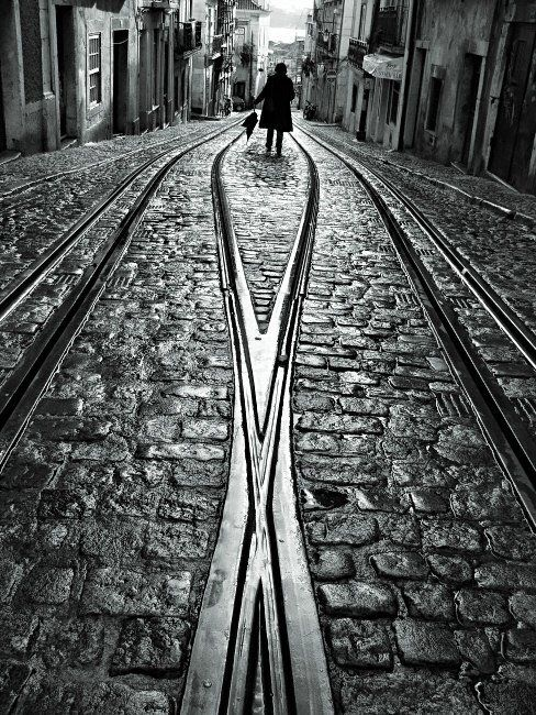 Street photography by Rui Palha perfect lights, architecture and people