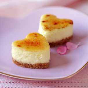 Brûléed Mini Cheesecakes, yum.