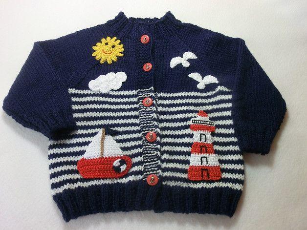 So eine süße Babyjacke, für kleine Jung´s ideal.  Aus einer wunderbaren französischen Wolle habe ich hier diese hübsche Babyjacke handgestrickt und mit Applikationen eines Leuchtturmes,...