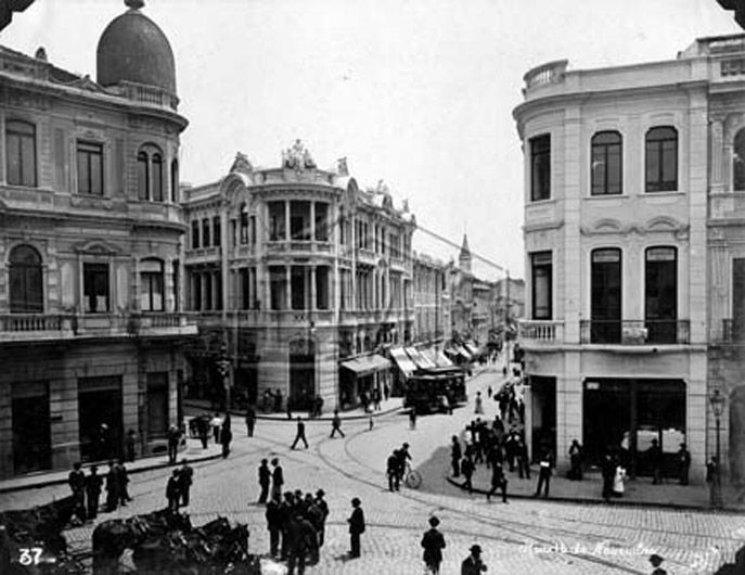 Largo da Sé, confluência das ruas 15 de Novembro e Direita, São Paulo - SP (1912) Coleção Folha São Paulo Antiga