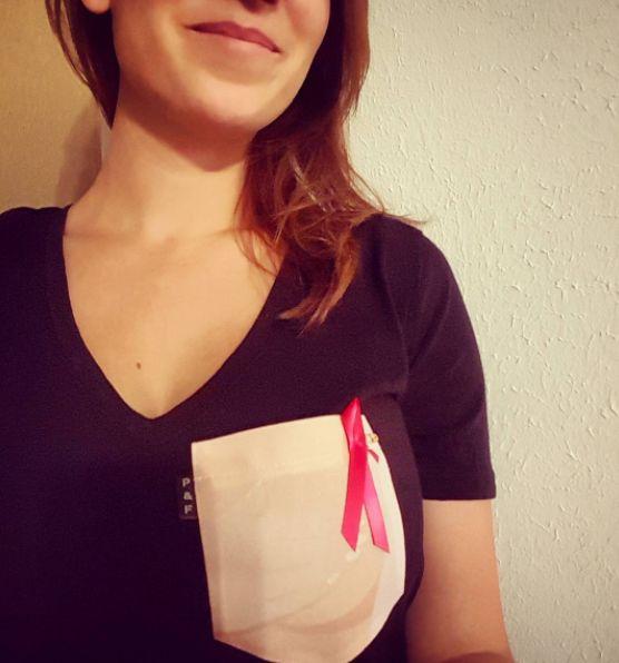 Women's clothing・Pocket tee・Breast Cancer・Quebec・Pattern・Funny・Montreal ❖ Vêtements pour femmes・V-neck・Chandail à poche・Fondation du cancer du sein・Motifs・Montréal