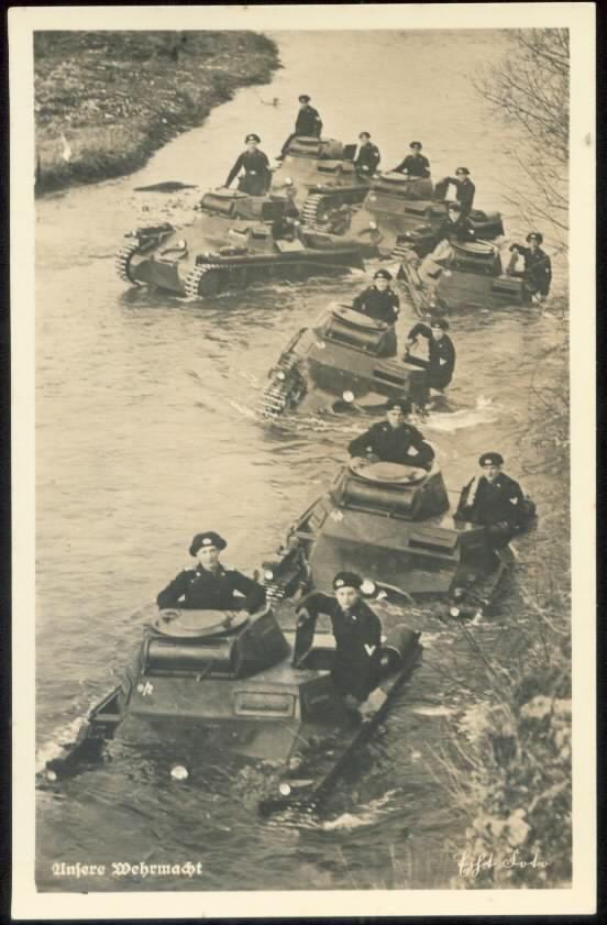 Propaganda - Postkarte , Horn: Unsere Wehrmacht, Panzer