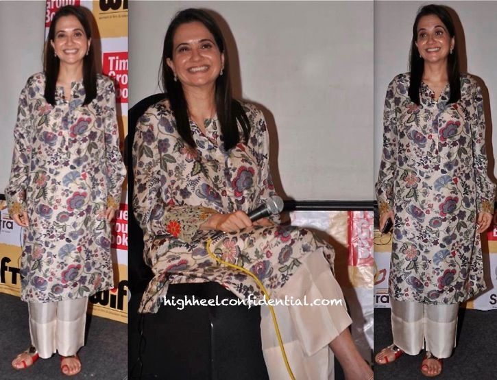 Anupama Chopra In Anamika Khanna At A WIFT Event:Book Discussion. i want to look like this at my 45
