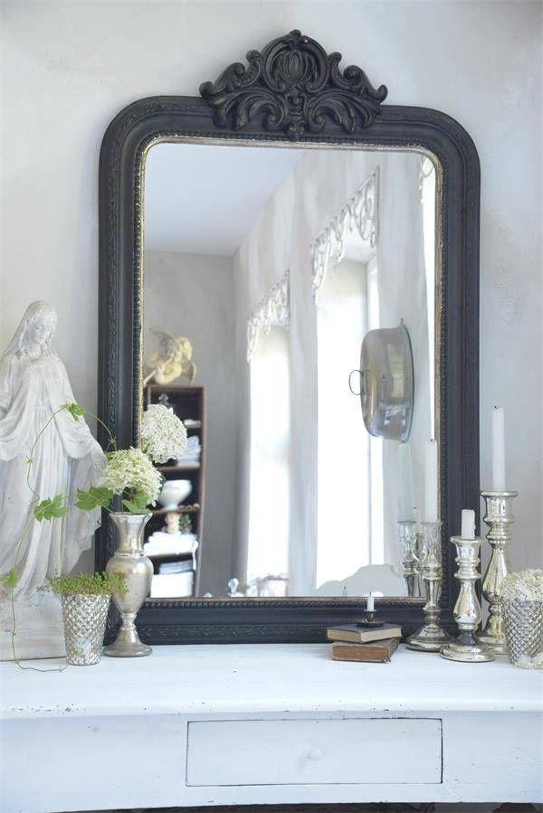 Jeanne D' arc Living Franse Spiegel met kuif Jeanne d'arc Living French mirror black silver www.laurasliving.nl