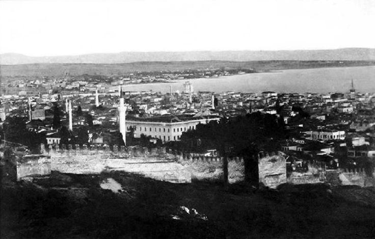 Η πόλη μέσα στα τείχη-πανοραμική άποψη.(απροσδιόριστη χρονολογία)