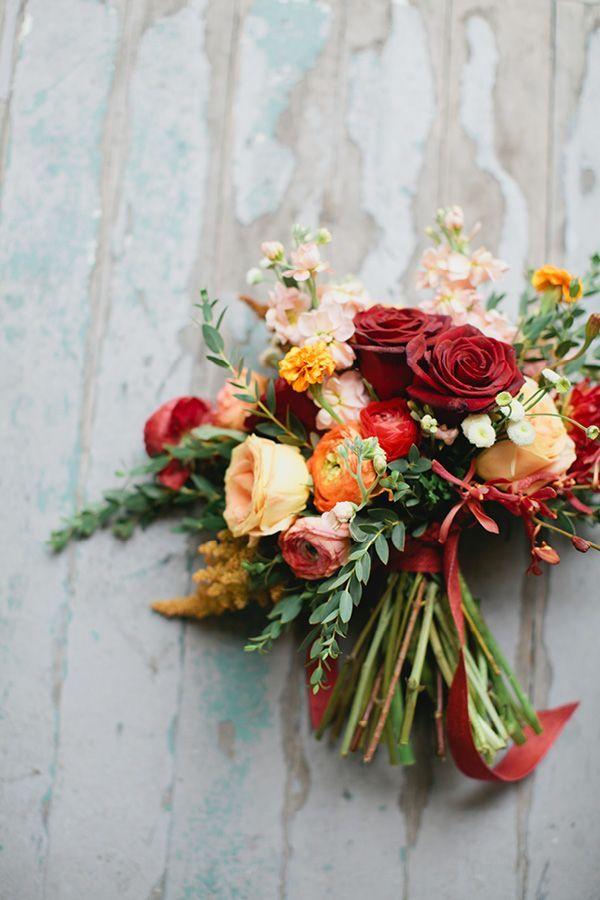 Totally lovely autumn colored fall wedding bouquet   http://www.weddingpartyapp.com/blog/2014/09/18/fresh-fall-wedding-bouquets-romantic-bride/
