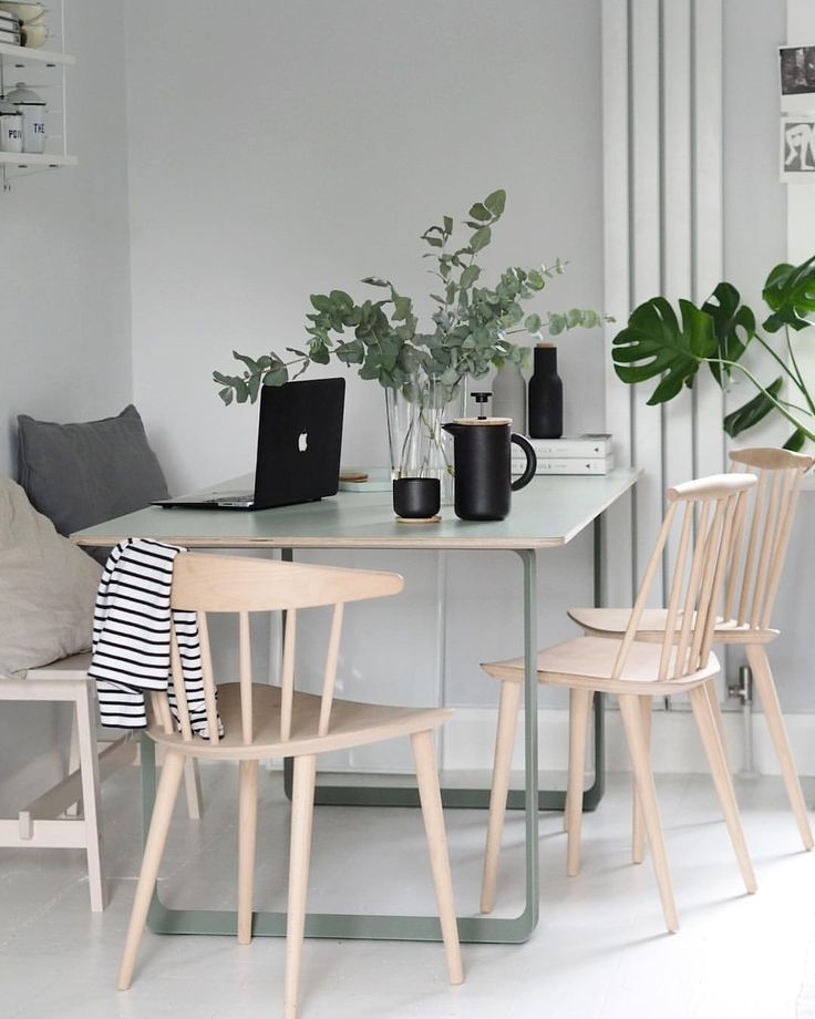 Green muuto table, plants in the home, HAY chairs @catesthill