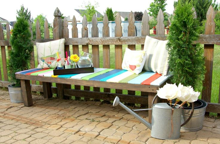 When trying to make the most of your outdoor space, seating is a must on that list. Most outdoor seating options can be costly, or difficult to find #gardenbench #OutdoorFurniture