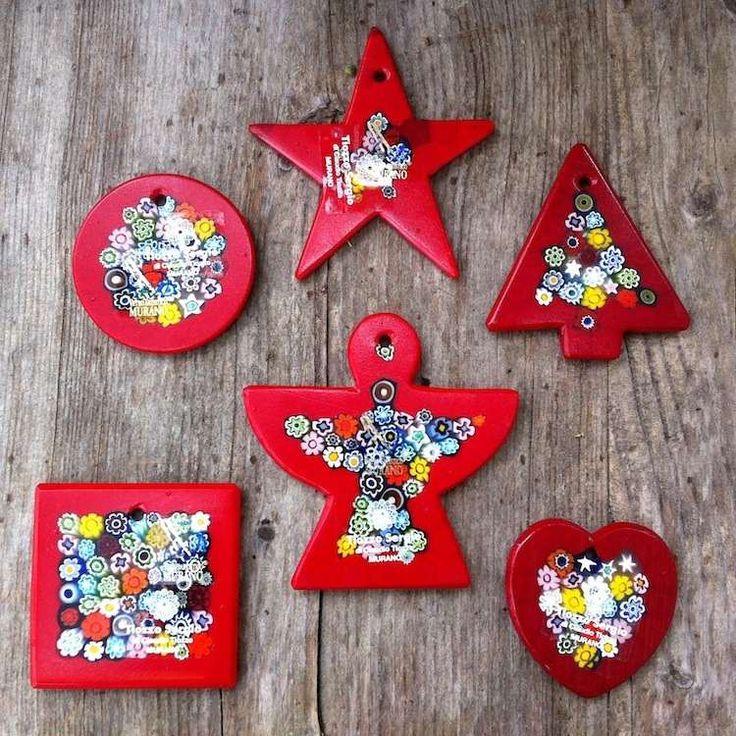 Set of six Christmas tree ornaments with red and millefiori murrine #yourmurano #venetianglass