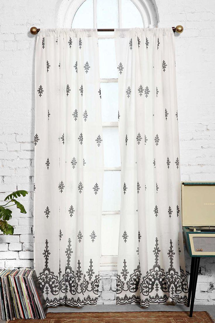 Plum & Bow Cora Curtain