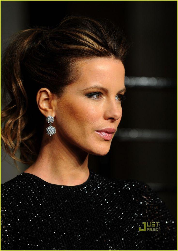 Kate Beckinsale Photos Photos: 2011 Vanity Fair Oscar Party Hosted By Graydon Carter – Arrivals