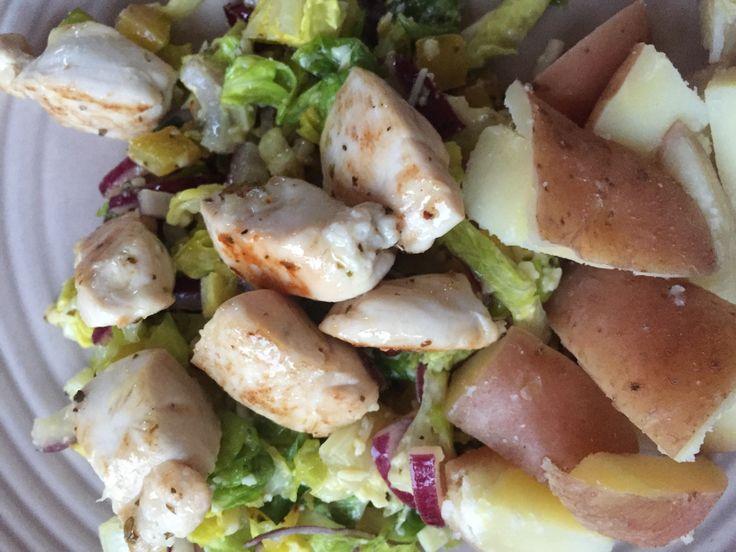 Kipfilethaasjes met kleurige salade en grana padanodressing #HelloFresh