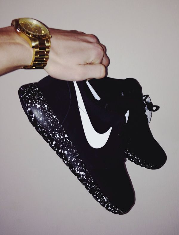 womens nike shoes http://www.uksportsoutdoors.com/product/2015-mizuno-drylite-core-square-5-5-mens-running-training-shorts/