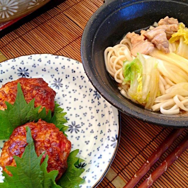 夏夏さん、ありがとう と〜っても美味しかったよ❤ ちゃんと梅干しも入れたよ✨梅干しがまた良い味出すのね✨✨ それにしても、これをお弁当に持たせる夏夏さんはすごい とっても大満足なお昼ご飯をありがとう - 86件のもぐもぐ - 夏夏さんの味噌おにぎり、煮込みうどん by masako522