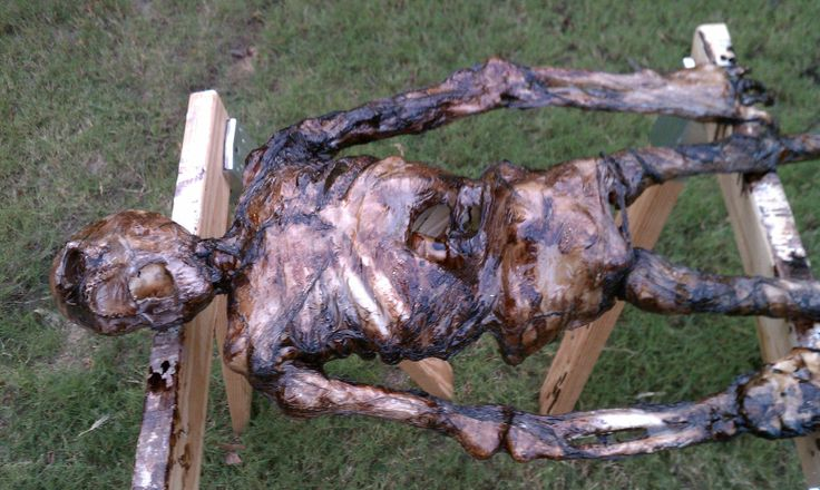 I just finished another Halloween prop. Now the neighbors think I'm digging up corpses. - Imgur