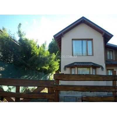 Casa en alquiler temporario, 2 dormitorios en Bariloche, Rio Negro - $800 http://bariloche.anunico.com.ar/aviso-de/departamento_casa_en_alquiler/casa_en_alquiler_temporario_2_dormitorios_en_bariloche_rio_negro_800-8536582.html