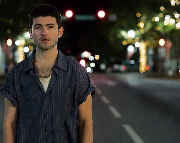 "9,448 Me gusta, 45 comentarios - Ian Nelson (@ianmichaelnelson95) en Instagram: ""That's a wrap on ""Summer Night!"" Such a great role. Had a lot of fun playing Seth. Look out for…"""