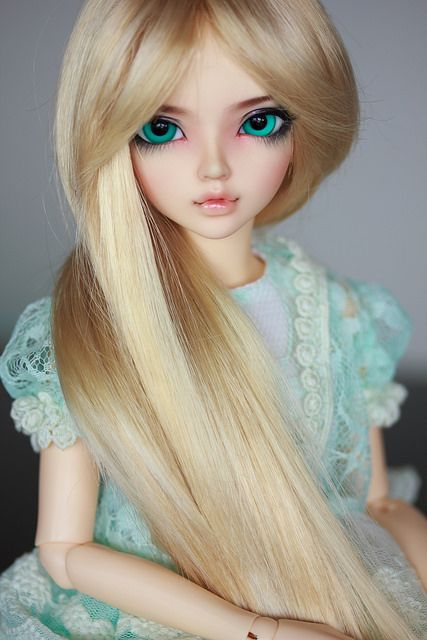 Fairyland MiniFee Chloe. Face-up by Angel Toast Source - https://flic.kr/p/mk2EtG