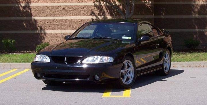 1994-1995 (240 HP) Nesil; Mustang IV - Cobra Segment; S Silindir; V8 Silindir Hacmi; 4942cm3 Valf Sayısı; 16 Beygir Gücü; 240 HP / 4800 rpm Maksimum Tork; 386 Nm / 4000 rpm Maksimum Hız; 225 Km 0-100 Km Hızlanma; 6.6 s Şanzıman Tipi; Düz Vites Ford T-5OD Vites Sayısı; 5 ileri Çekiş Tipi; Arkadan itişli…