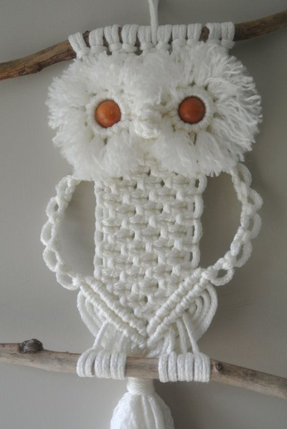 Macrame Owl Off-White Wallhanging / Decoration by RoseliensMacrame