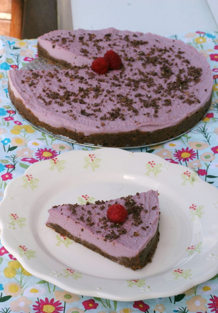 malinovy raw cheesecake