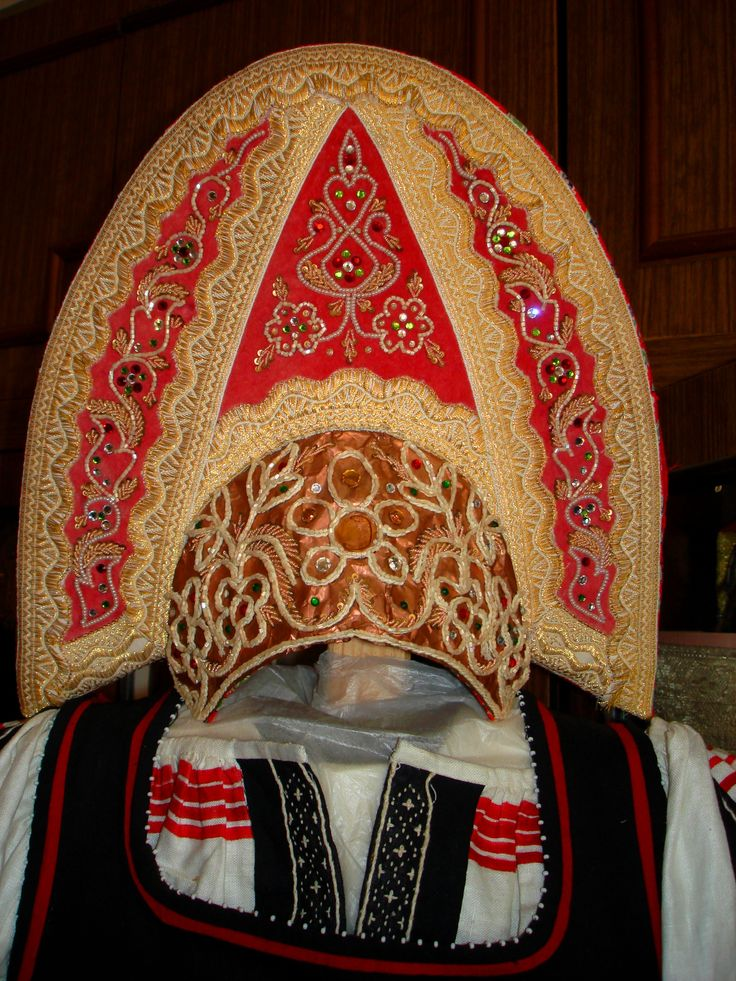 woman's headdress Kokoshnik